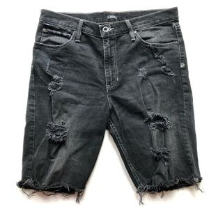 Urban Outfitters BDG distressed shorts Size 32